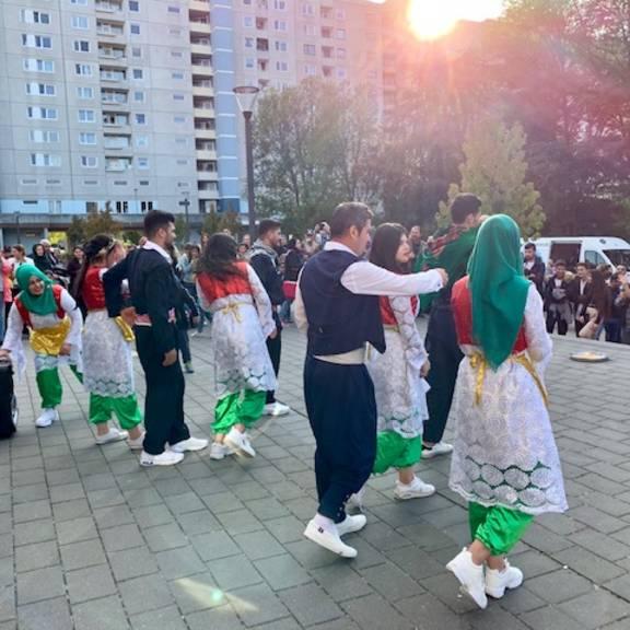 kurdischeTaenze